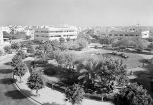 Het Dizengoff-plein in de Witte Stad in Tel Aviv, ca 1940