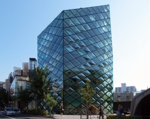 Prada-winkel in Tokio, ontworpen door Herzog & De Meuron (foto Wiii, WC)