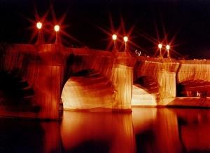 De Pont Neuf in Parijs, ingepakt door Christo (foto WC)