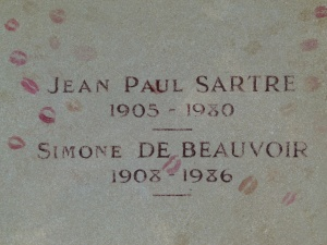 Grafsteen van Sartre en Beauvoir op Cimétière de Montparnasse (foto Dinkum, WC)