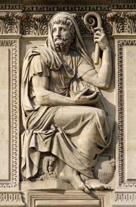 Herodotos op de westfacade van de Cour Carré van het Louvre in Parijs; door Jean-Gulillaume Moitte, 1806 (foto Marie-Lan Nguyen / WC)