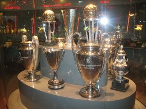 Prijzenkast van Ajax, met Europacup en Champions League Trophy (foto Jason mp/WC)