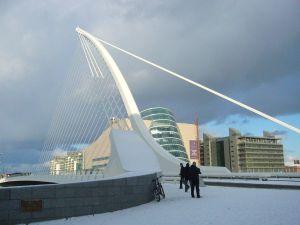 De Samuel Beckett-brug (2009) van Calatrava in Dublin (foto Ariosto80/WC)